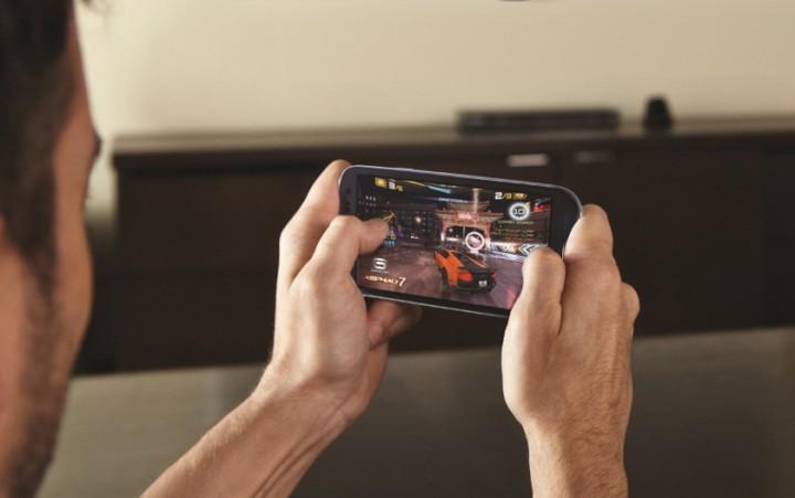 Tips Menghemat Baterai Saat Bermain Game Online di Smartphone