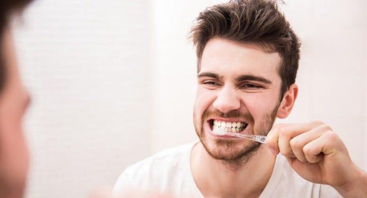 Bahaya Terlalu Sering Menggosok Gigi