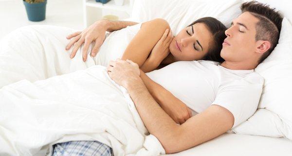 Baik Dalam Kehidupan Seks Ternyata Bisa Bikin Tidur Lebih Nyenyak