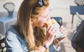 Bukan Kenyang, 3 Makanan Ini Malah Bisa Bikin Lapar Setelah di Makan
