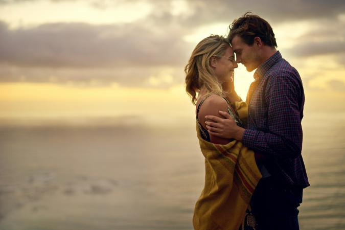 3 Hal Lucu Pada Perempuan yang Dirasakan Saat Jatuh Cinta